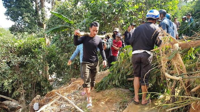 Hiện trường vụ sạt lở kinh hoàng tại Trà Leng - Quảng Nam - Ảnh 11.