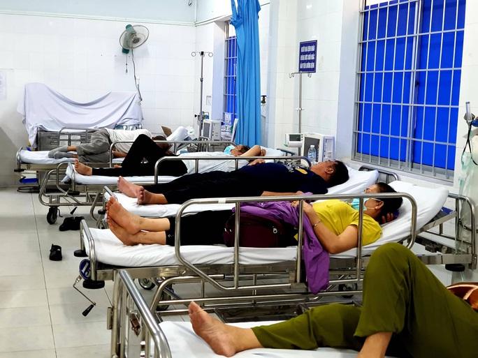 Vũng Tàu: Nhiều du khách TP HCM nghi bị ngộ độc thực phẩm sau khi ăn trưa - Ảnh 2.