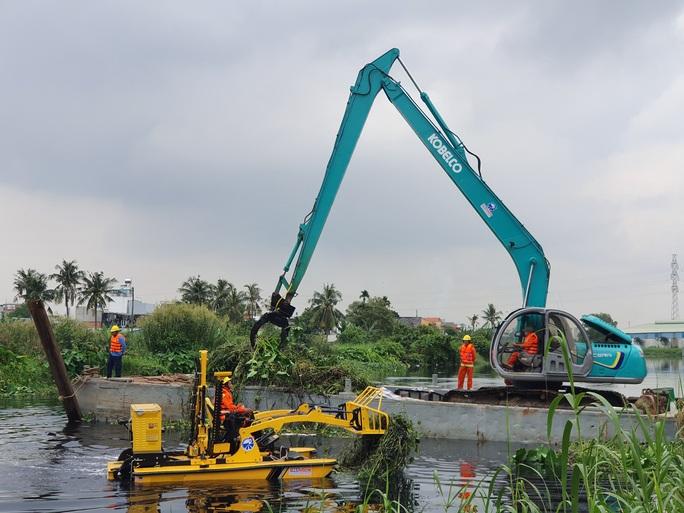 TP HCM: Đề xuất chi 2,5 tỉ đồng làm sạch sông, rạch - Ảnh 1.