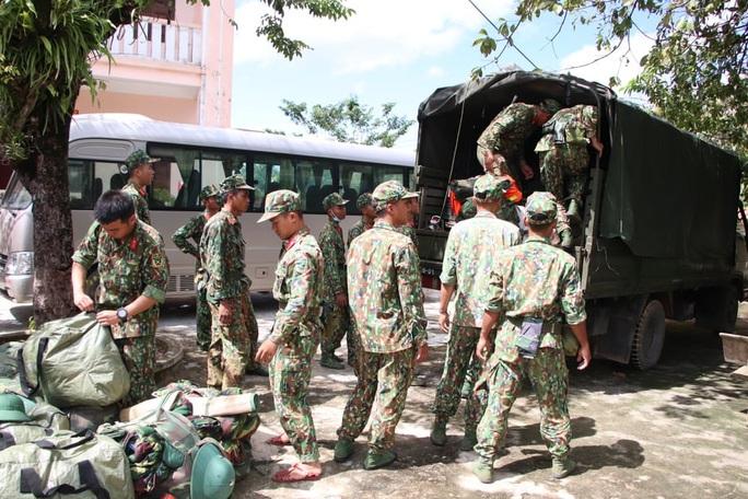 Quảng Nam: Cả nhà Bí thư xã Trà Leng mất tích trong vụ sạt lở  núi ở Nam Trà My - Ảnh 1.