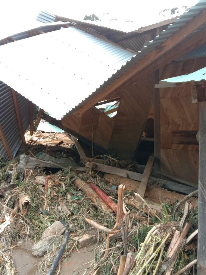 Vụ sạt lở ở Phước Sơn vùi lấp 11 người: Lực lượng cứu hộ phải ngủ lại trong rừng - Ảnh 6.