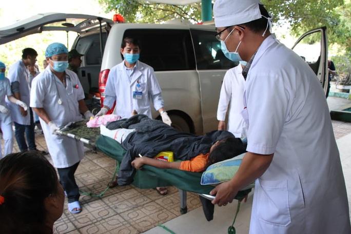 Vụ sạt lở núi vùi lấp ở xã Trà Leng: Cứu sống được 33 người - Ảnh 9.