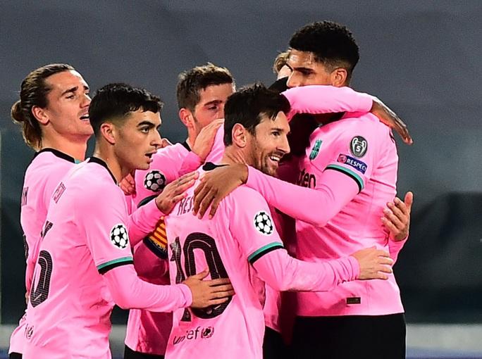 Barcelona trở lại với diện mạo mới - Ảnh 1.