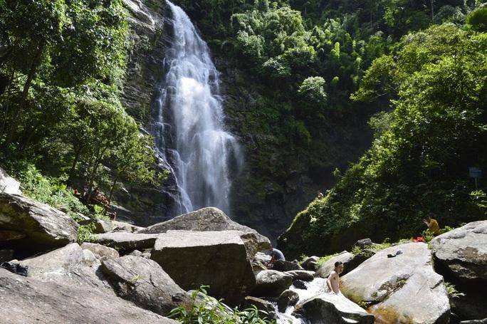 Nghe tiếng thác rơi giữa rừng xứ Nghệ - Ảnh 4.