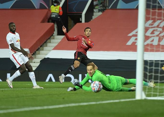 Rashford lập hat-trick vàng, Man United vùi dập bò đỏ RB Leipzig - Ảnh 3.