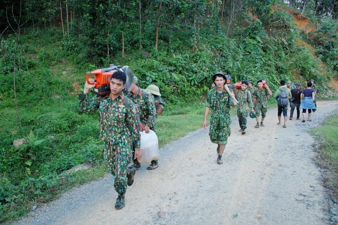 Hiện trường vụ sạt lở kinh hoàng tại Trà Leng - Quảng Nam - Ảnh 1.