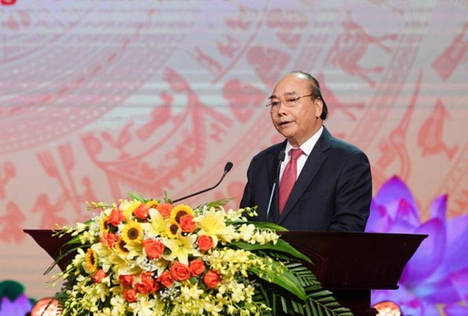 Thủ tướng Nguyễn Xuân Phúc dự đại hội thi đua yêu nước Hà Nội - Ảnh 3.