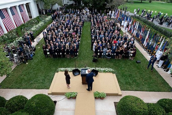 Tổng thống Trump thuộc nhóm nguy cơ cao khi nhiễm Covid-19 - Ảnh 2.