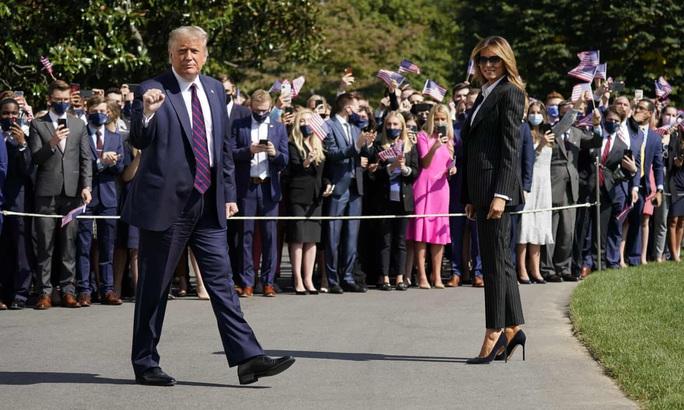 Tổng thống Trump bận tối mặt trước khi mắc Covid-19 - Ảnh 3.