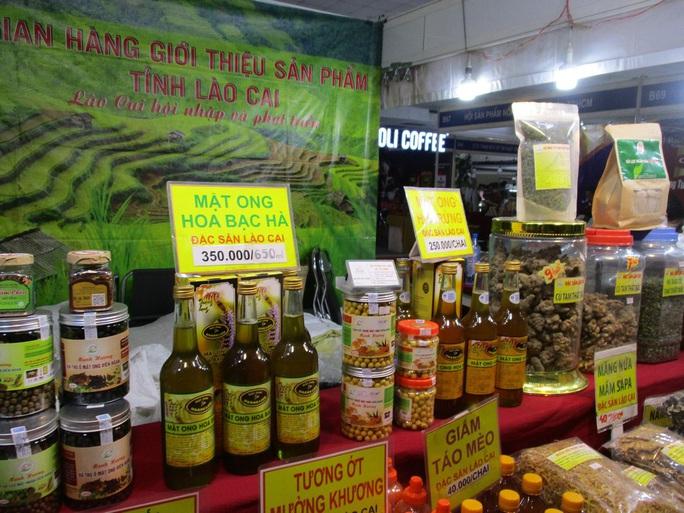 Thịt cá sấu, trái cây Thái Lan... xuất hiện tại hội chợ nông sản TP HCM - Ảnh 1.