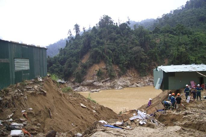 Không thể tìm kiếm những người mất tích tại Phước Sơn bằng thủ công - Ảnh 11.