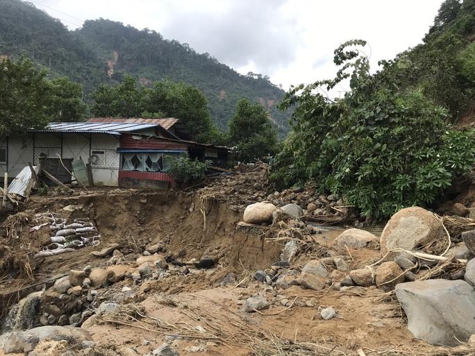 Không thể tìm kiếm những người mất tích tại Phước Sơn bằng thủ công - Ảnh 9.