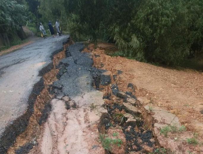 Mưa lớn, hàng ngàn nhà dân ở Nghệ An bị ngập sâu - Ảnh 10.