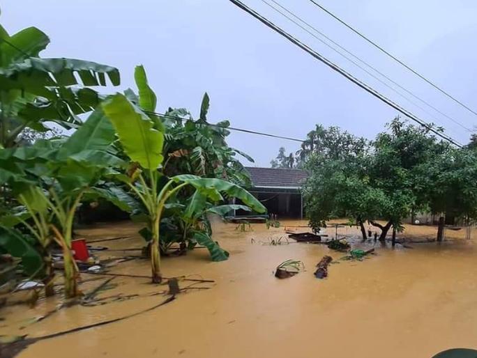 Nghệ An: Mưa lũ khiến 5 người chết và mất tích, 12.600 nhà dân bị ngập - Ảnh 1.