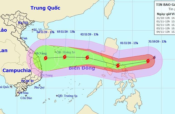 Siêu bão Goni sức gió tới 220 km/giờ di chuyển nhanh vào Biển Đông - Ảnh 1.