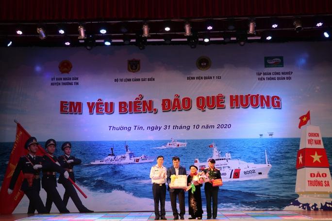 Nữ sinh lớp 8 giành giải nhất cuộc thi Em yêu biển, đảo quê hương - Ảnh 3.