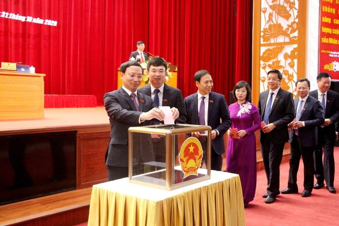 Tân Chủ tịch UBND tỉnh Quảng Ninh là tiến sĩ kinh tế - Ảnh 1.