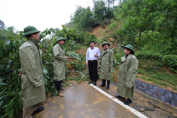 TP Đà Nẵng và Tỉnh Đắk Lắk cứu trợ người dân bão lụt miền Trung - Ảnh 2.