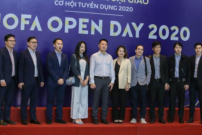 Lần đầu tiên Bộ Ngoại giao tổ chức giới thiệu tuyển dụng với hình thức mở - Ảnh 11.