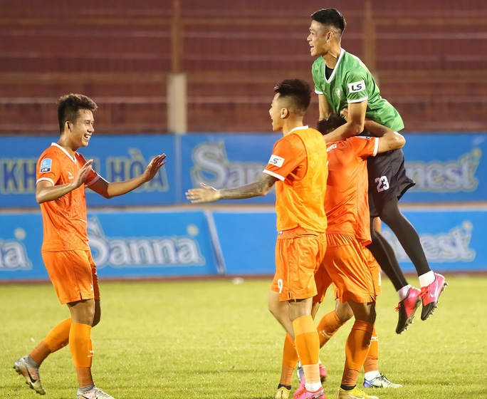 CLB Bình Định vô địch Giải Hạng nhất quốc gia 2020 - Ảnh 3.