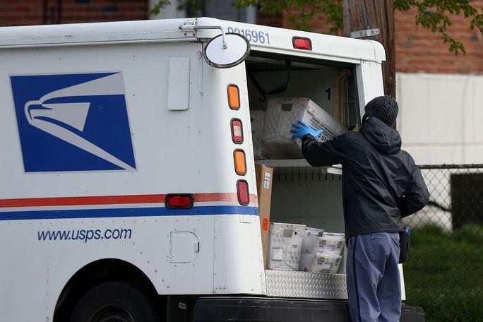 Mỹ: Hàng ngàn phiếu bầu biến mất bí ẩn ở bang chiến trường Pennsylvania - Ảnh 2.