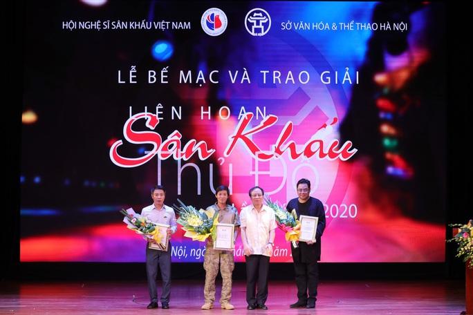 TP HCM đoạt 2 HCV, 2 HCB và vở diễn HCB tại Liên hoan Sân khấu Thủ đô - Ảnh 3.