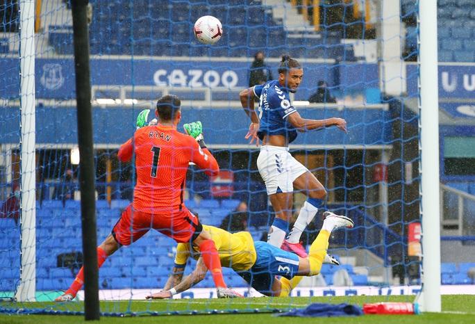 James Rodriguez thể hiện quyền năng, Everton chiếm ngôi đầu Ngoại hạng - Ảnh 2.