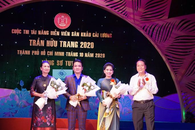 Đông nghệ sĩ ngôi sao chúc mừng diễn viên tranh tài Cuộc thi Trần Hữu Trang - Ảnh 8.