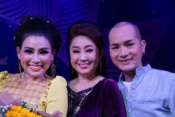 Đông nghệ sĩ ngôi sao chúc mừng diễn viên tranh tài Cuộc thi Trần Hữu Trang - Ảnh 14.