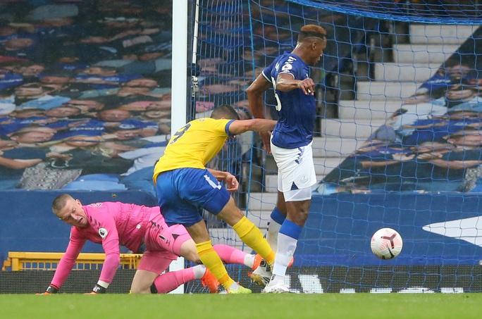 James Rodriguez thể hiện quyền năng, Everton chiếm ngôi đầu Ngoại hạng - Ảnh 3.