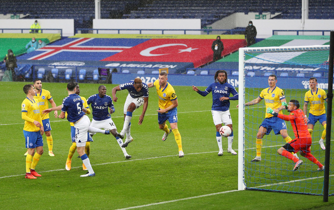 James Rodriguez thể hiện quyền năng, Everton chiếm ngôi đầu Ngoại hạng - Ảnh 5.