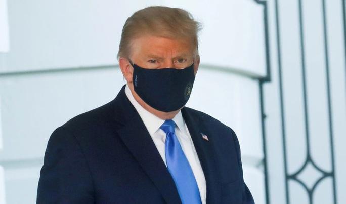 Nhập viện, Tổng thống Trump lại nhận tin không vui - Ảnh 2.