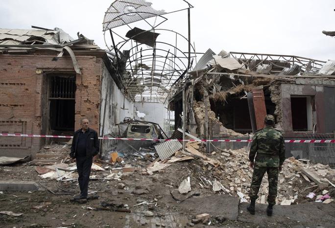 Nóng: Xung đột Nagorno-Karabakh lan ra các thành phố khác - Ảnh 1.