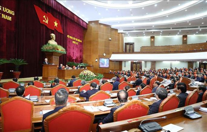 Chủ tịch QH Nguyễn Thị Kim Ngân điều hành ngày làm việc thứ nhất Hội nghị Trung ương 13 - Ảnh 3.