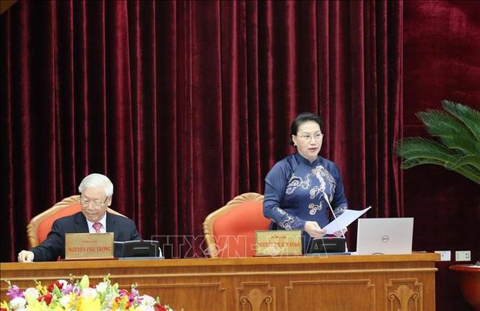 Chủ tịch QH Nguyễn Thị Kim Ngân điều hành ngày làm việc thứ nhất Hội nghị Trung ương 13 - Ảnh 1.