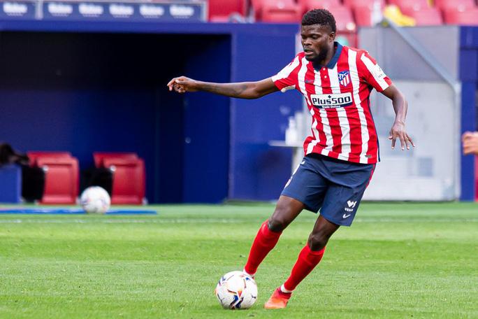 Pháo thủ Arsenal hoàn tất hợp đồng chiêu mộ sao La Liga - Ảnh 2.