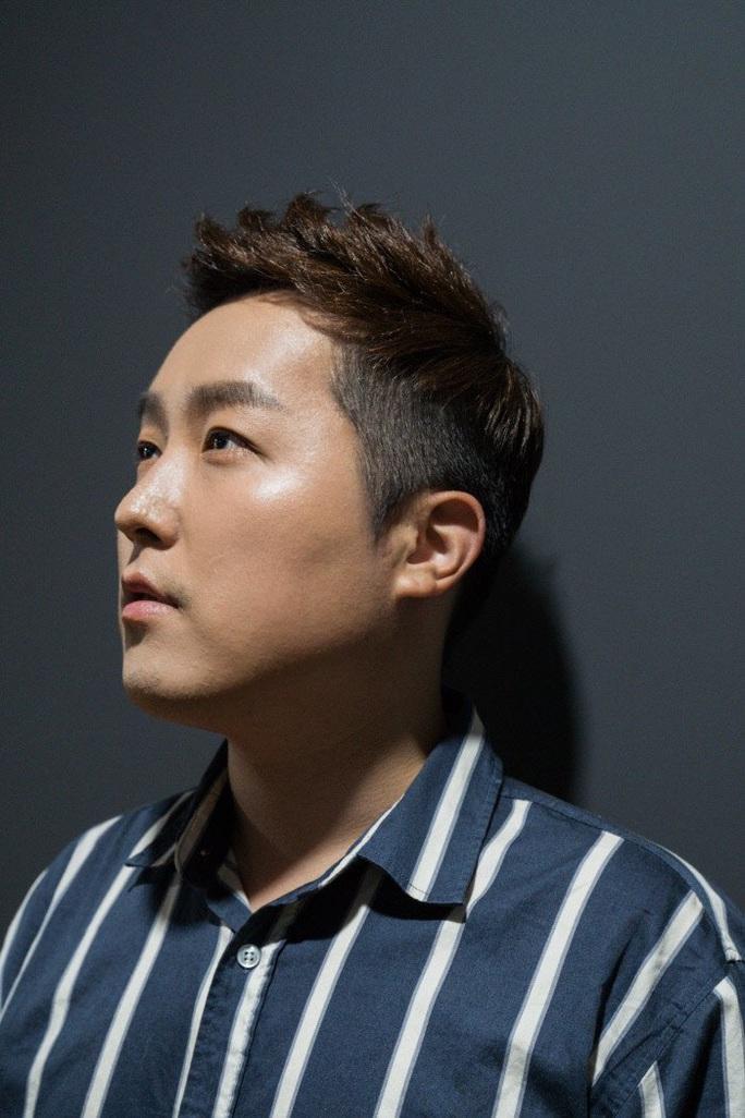 Ca sĩ Hàn gây sốc khi công bố là người đồng tính - Ảnh 1.