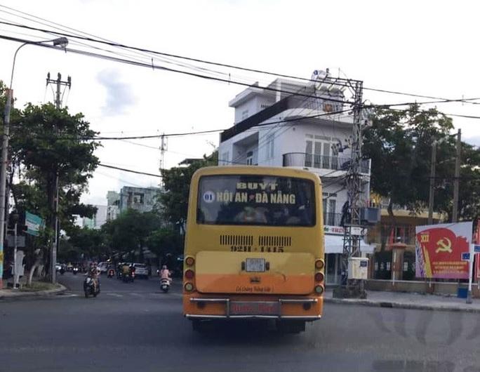 Bất chấp lệnh cấm, xe buýt liên tỉnh vẫn vô tư dạo phố Đà Nẵng - Ảnh 5.