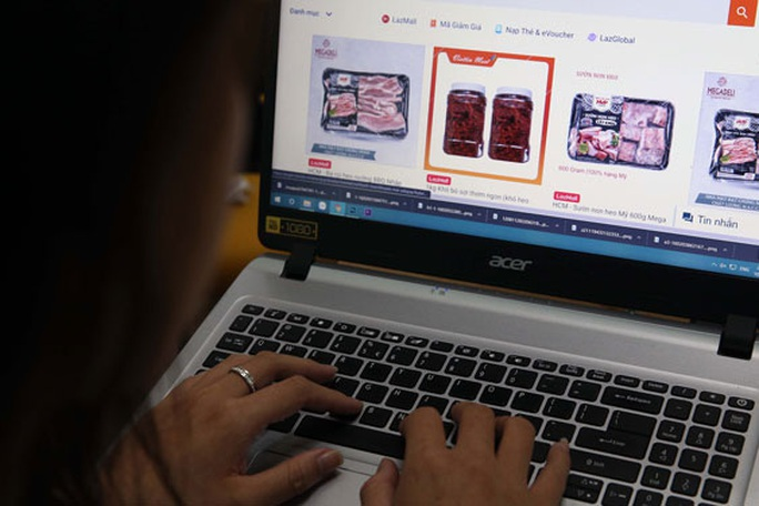 Nhộn nhịp mua bán hàng tươi sống trên chợ mạng - Ảnh 1.