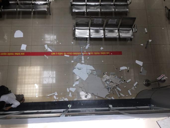 Vì sao trần bệnh viện ngàn tỉ bị sập khiến bệnh nhân hú vía? - Ảnh 2.