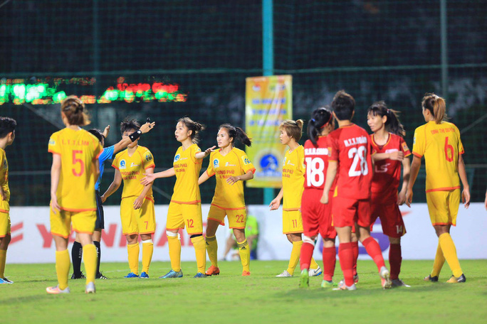 Sự cố Phong Phú Hà Nam: Bóng đá nữ cần chuyên nghiệp hơn - Ảnh 1.