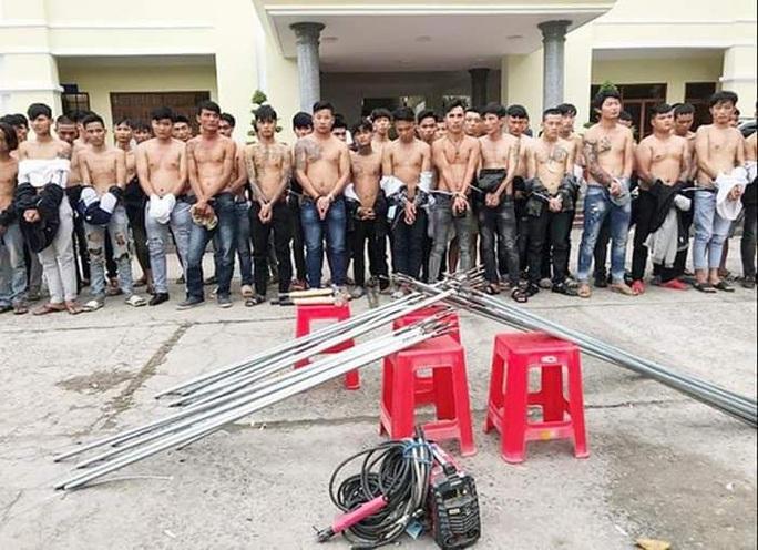 Diễn biến mới nhất vụ Hưng xăm và 43 đối tượng dàn trận giữa TP Biên Hòa - Ảnh 2.