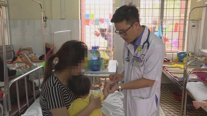 Đắk Lắk: Bệnh tay chân miệng bùng phát, trường học xây dựng kế hoạch phòng chống - Ảnh 1.