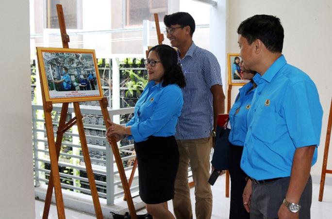 Khánh Hòa: Trao giải cuộc thi ảnh Nét đẹp Công đoàn và người lao động - Ảnh 1.