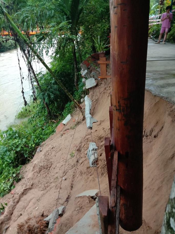Mưa lũ khiến nhiều nơi bị ngập, huyện miền núi Quảng Nam xảy ra động đất - Ảnh 3.