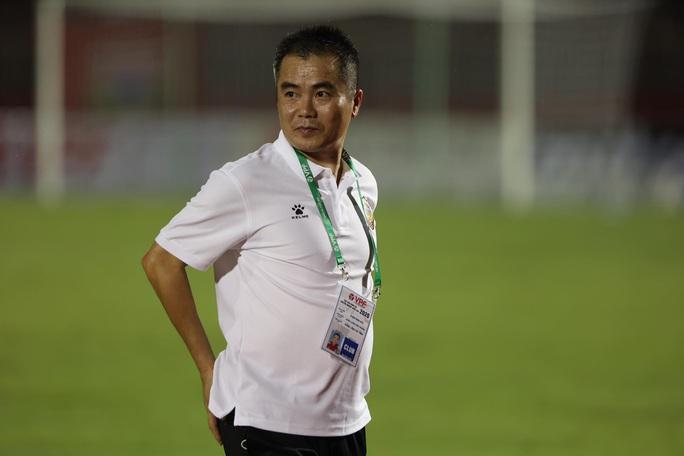 Thắng vất vả trên sân Thống Nhất, Sài Gòn FC vững ngôi đầu bảng - Ảnh 3.