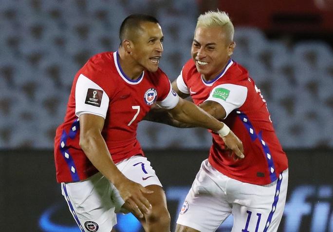 Hai cựu sao Barca ghi bàn, Chile thua đau Uruguay - Ảnh 3.