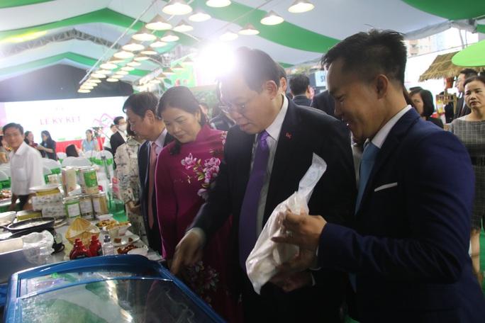 Lãnh đạo Đồng Tháp mang đặc sản tỉnh nhà giới thiệu người tiêu dùng Thủ đô - Ảnh 18.