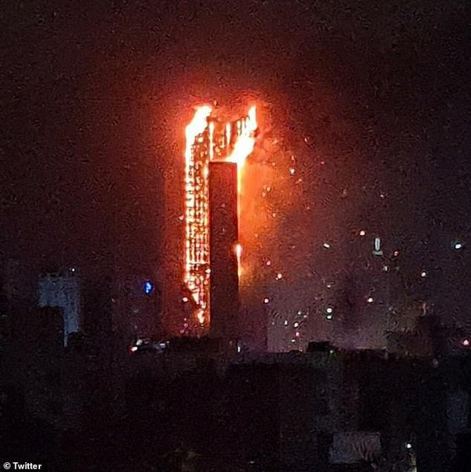 Hàn Quốc: Tòa nhà 33 tầng cháy ngùn ngụt trong đêm - Ảnh 4.