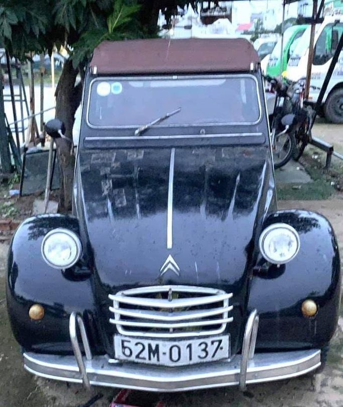 Chiếc xe cổ của NSND Út Trà Ôn được mua giá 500 triệu đồng để ủng hộ miền Trung - Ảnh 1.